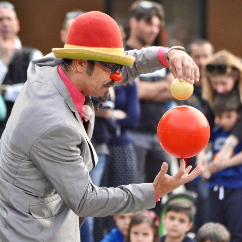 clow atrito spiegazione rotazione di globi sovrapposti palla rossa e gialla